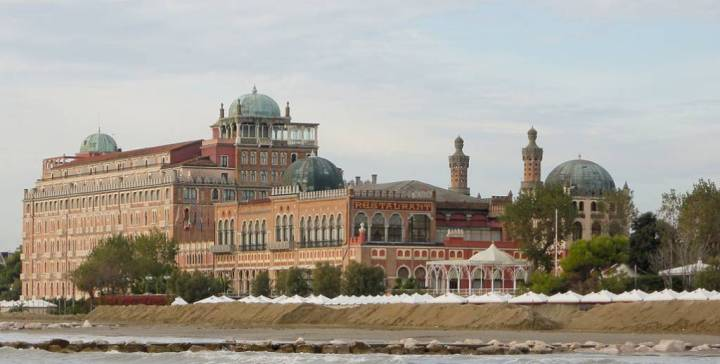 Grand Hotel Excelsior.jpg