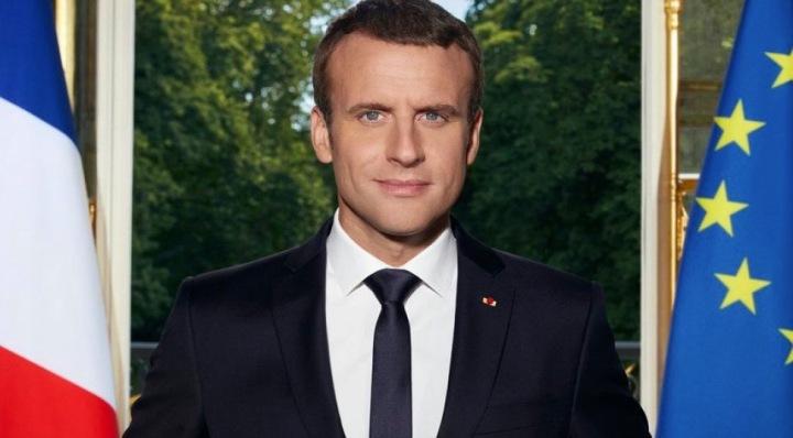 Macron (1).jpg